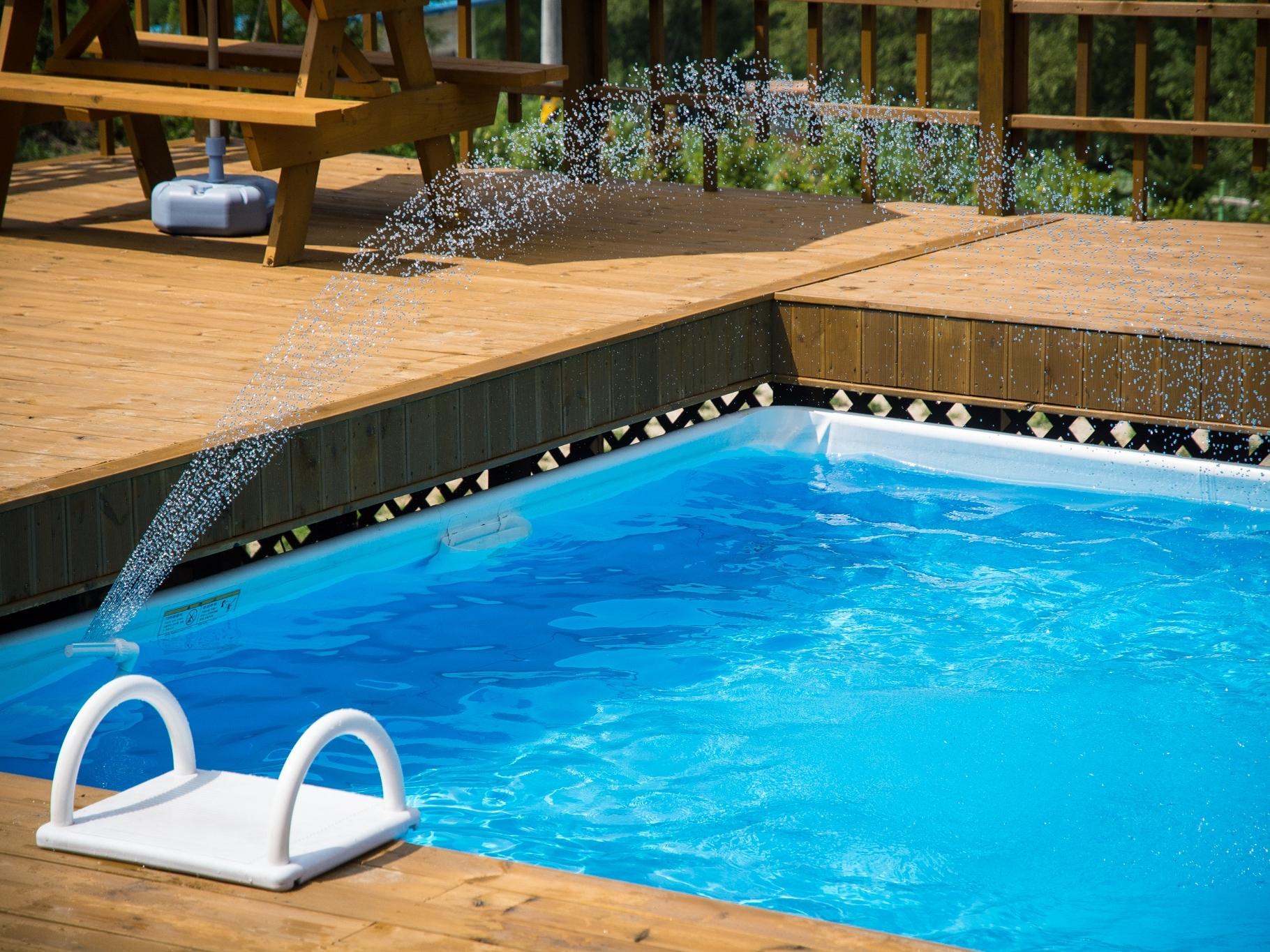 Polyester Schwimmbecken